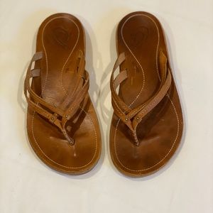 OluKai size 8 sandal -Purchased in Maui.